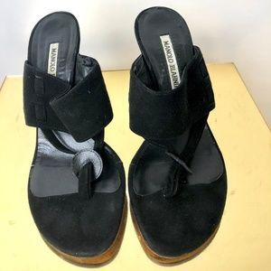 Manolo Blahnik Suede Mules Open Toe Sandal Womens